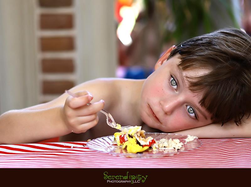 Kid Eating Birthday Cake Funny , Kid Eating Cake , Kid Birthday Cake ...