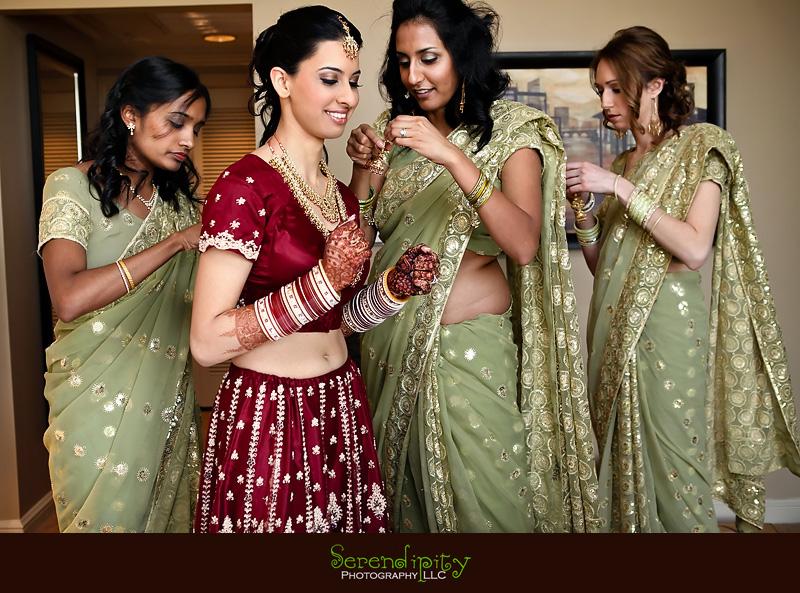 http://www.serendipity-photography.com/blog/20101220/St_Regis_Hotel_Houston_Indian_Wedding_Photography_PujaRahul_serendipity_0300.jpg